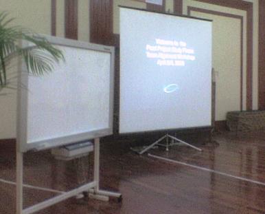 KAMI JUGA sewa papan tulis ber roda, sewa whiteboard di bali, sewa papan whiteboard di denpasar Bali.